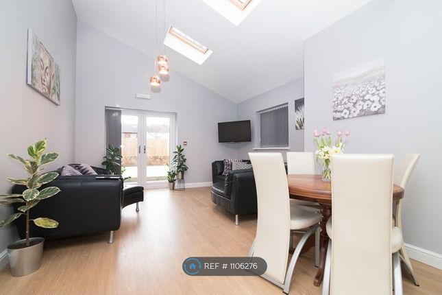 Room to rent in Hope Street, West Bromwich B70