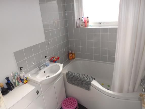 Bathroom of Lincoln Court, Shirley, Southampton SO15