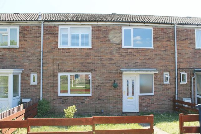 Thumbnail Terraced house to rent in Deal Close, Huntingdon
