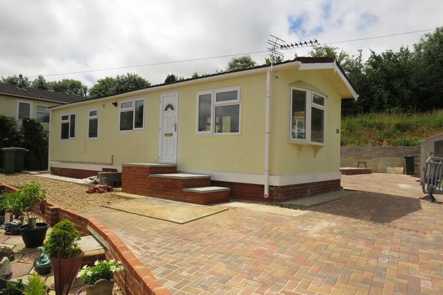 Thumbnail Mobile/park home to rent in Winchester Road, Fair Oak, Eastleigh