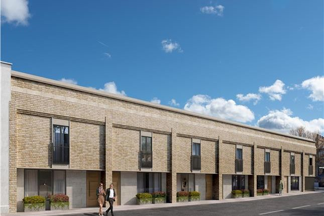 Thumbnail Property for sale in Hawthorn, Hyde Vale, London
