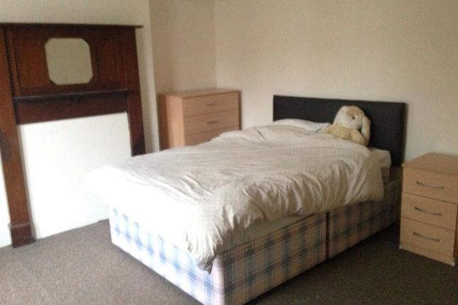 Thumbnail Property to rent in Hinckley Road, Leicester