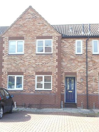 Thumbnail Town house to rent in Betony Close, Scunthorpe