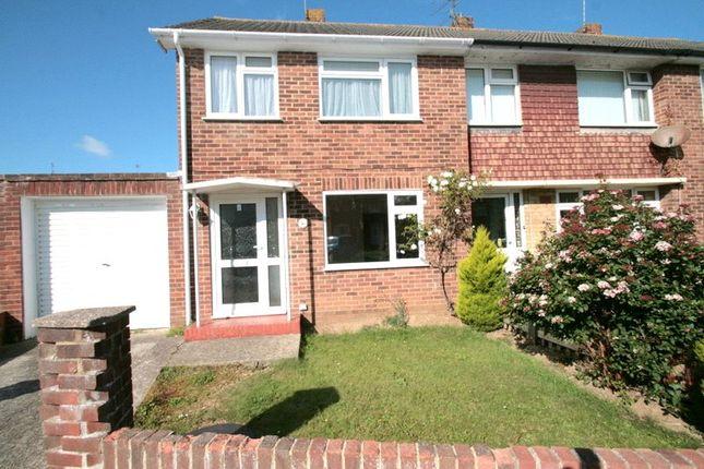 3 bed property to rent in Wick, Littlehampton, West Sussex