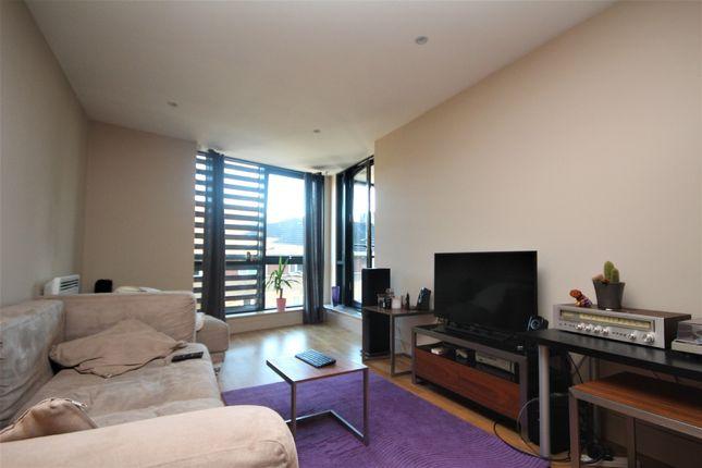 Thumbnail Flat to rent in Southwark Bridge Road, London, Central London