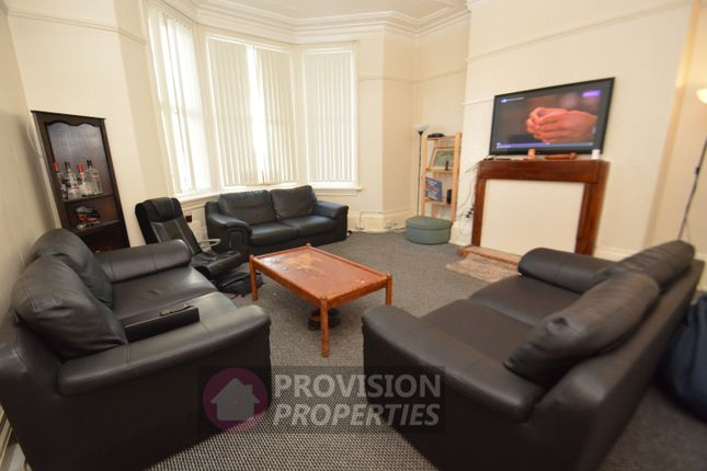 Thumbnail Terraced house to rent in Cardigan Road, Headingley, Leeds