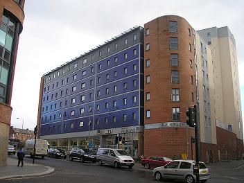 Thumbnail Flat to rent in Blackfriars Road, Merchant City, Glasgow