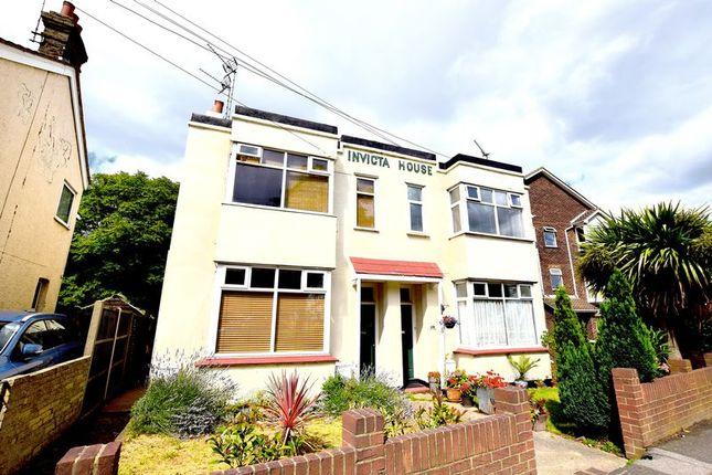 Thumbnail Flat for sale in London Road, Benfleet