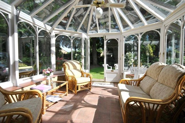 Picture No. 12 of The Manor, 10 Ladywood Road, Oakwood, Leeds LS8