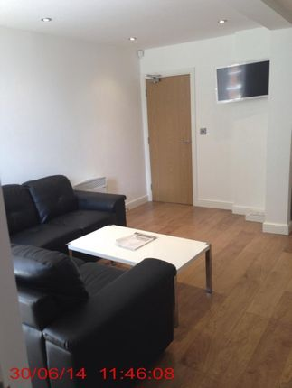 Thumbnail Flat to rent in 22 Hyde Terrace, Leeds