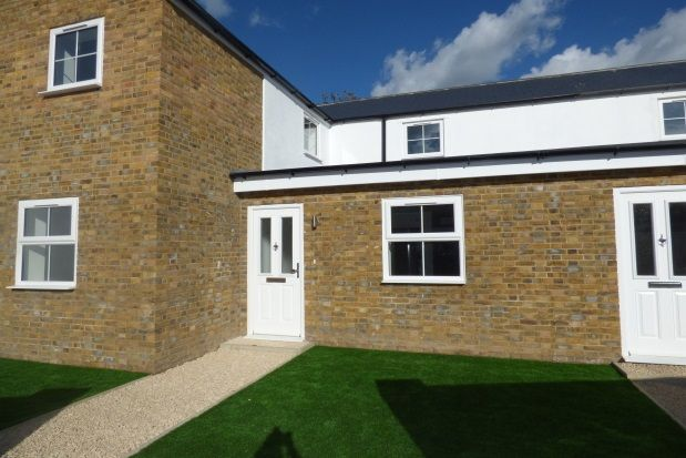 Thumbnail Property to rent in Durban Road, Watford
