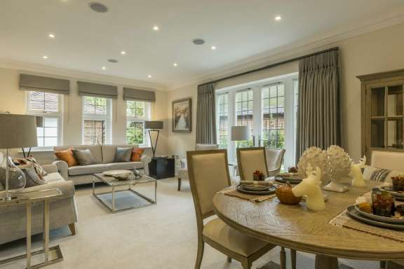 Thumbnail Flat for sale in Walton On The Hill, Surrey