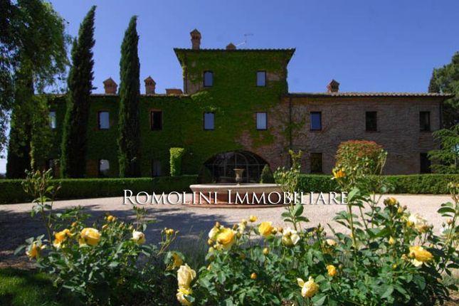 9 bed villa for sale in Perugia, Umbria, Italy