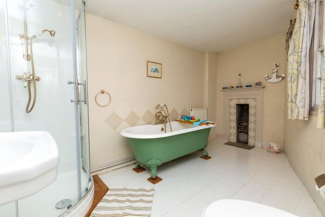 Bathroom of Hillside, Talland Hill, Polperro, Looe PL13