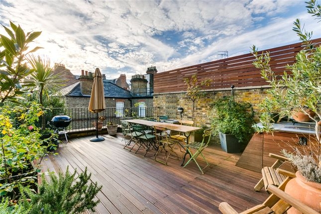 Thumbnail Flat for sale in Holland Park Avenue (Private Road), London