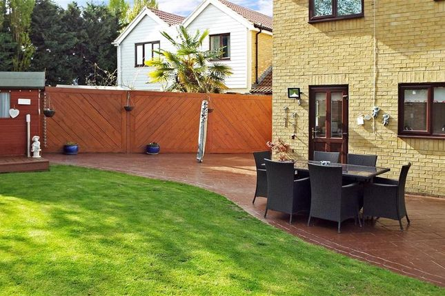 Thumbnail Detached house for sale in Borland Close, Greenhithe, Kent