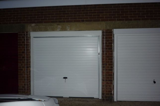 Parking/garage to rent in Malins Road, Portsmouth