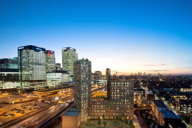 Thumbnail Property for sale in Manhattan Plaza, Canary Wharf, London