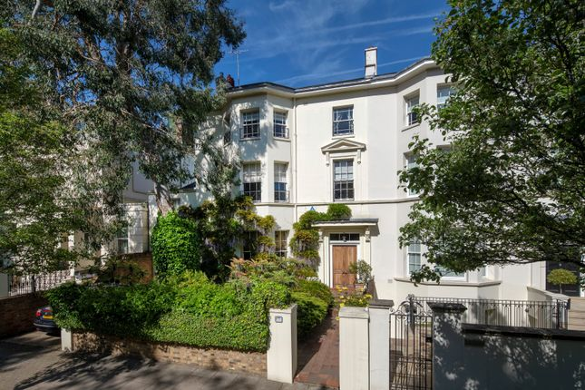 Thumbnail Property for sale in Cavendish Avenue, London