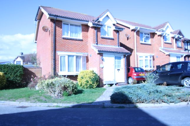 3 bed detached house for sale in Green Grove, Hailsham BN27