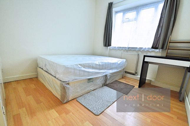 Thumbnail Flat to rent in Wyndham Road, Oval