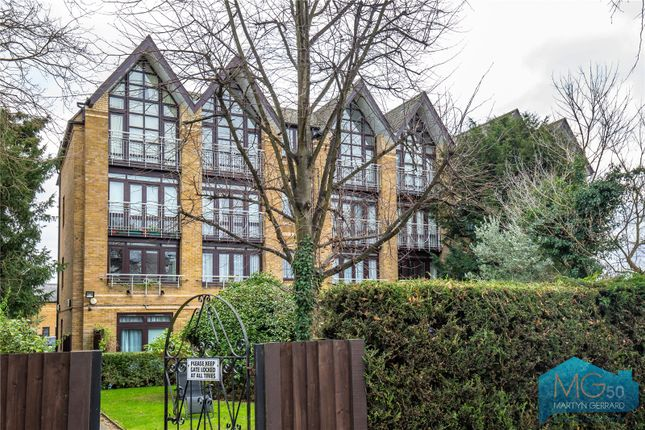 Thumbnail Flat for sale in Hamilton Square, North Finchley, London