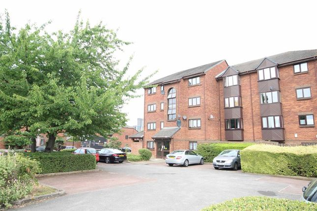 Thumbnail Flat to rent in Perry Avenue, London