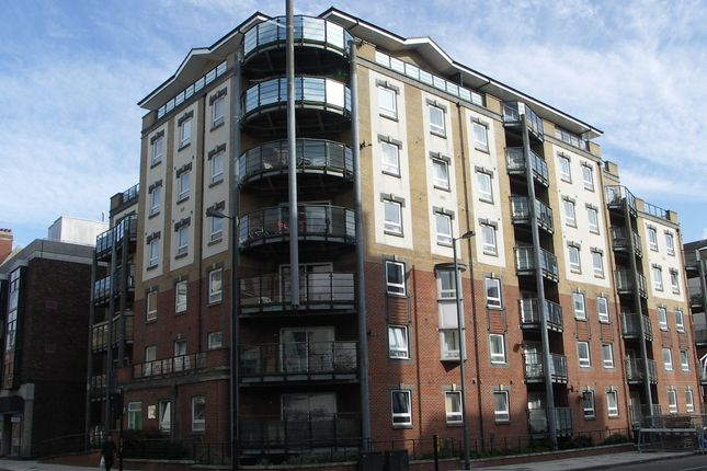 2 bed flat to rent in Briton Street, Southampton SO14