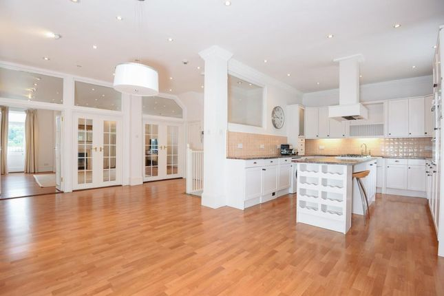 Thumbnail Flat to rent in Henley, Oxfordshire