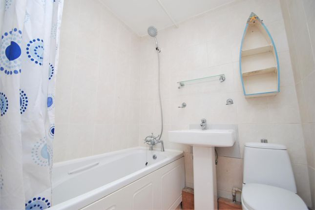 Bathroom of Union Street, Stonehouse, Plymouth PL1
