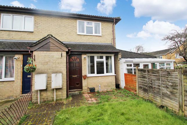 Thumbnail Town house for sale in Katherine Close, Hemel Hempstead