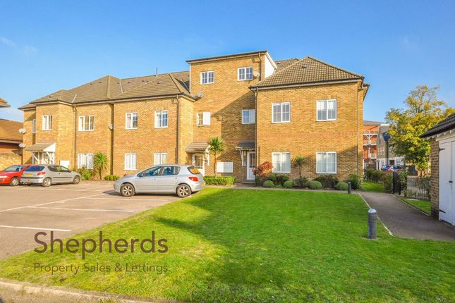 Thumbnail Flat to rent in Lowfield Court, Lowfield Lane, Hoddesdon, Hertfordshire