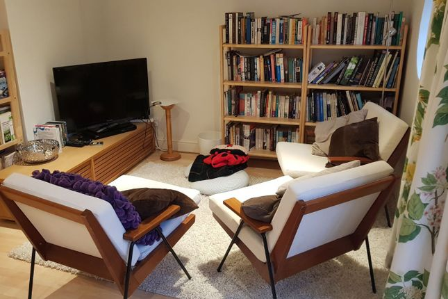 Thumbnail Room to rent in West Square, London, Greater London
