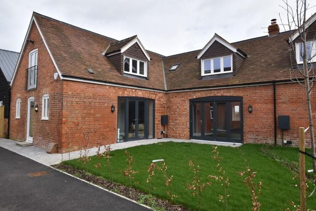 Thumbnail Barn conversion to rent in James Lane, Grazeley Green, Reading