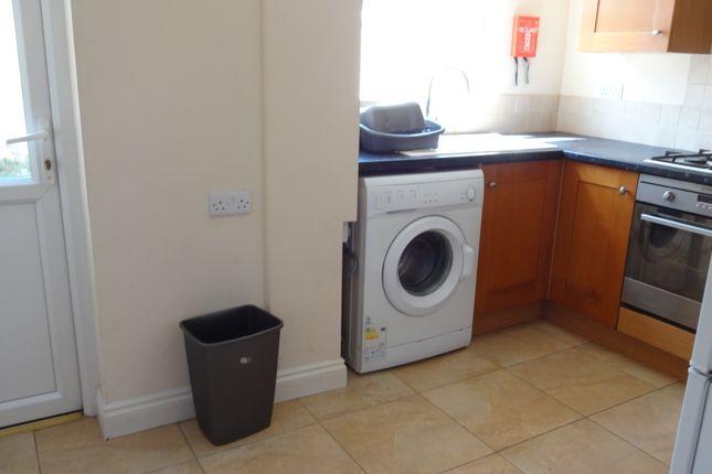 Modern Kitchen of Cecil St, Derby DE22