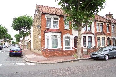 3 bed property for sale in Brampton Road, East Ham, London