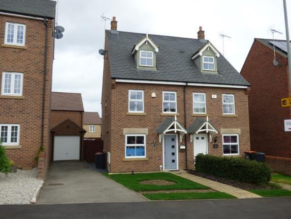 Thumbnail Semi-detached house for sale in Kestrel Way, Leighton Buzzard, Bedford, Bedfordshire