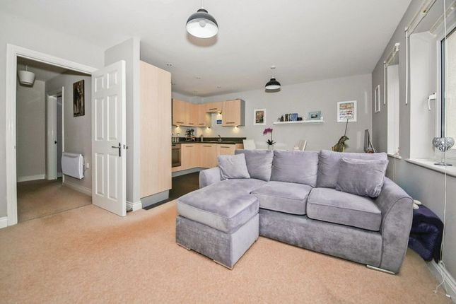 Thumbnail Flat for sale in Queripel Close, Tunbridge Wells