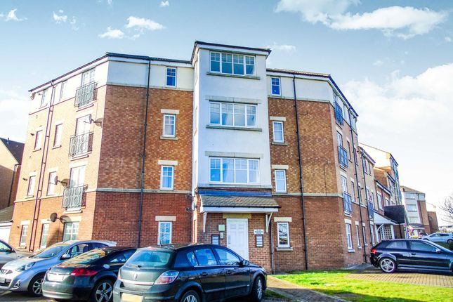 2 bed flat to rent in Redgrave Close, Gateshead