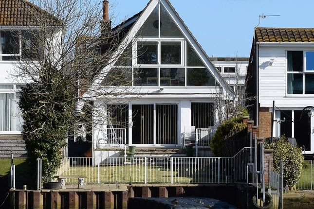 Thumbnail Detached house for sale in Willow Way, Christchurch