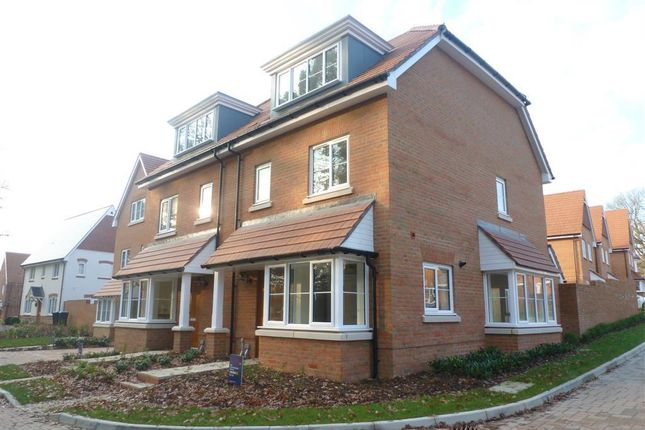 3 bed semi-detached house to rent in Fernycroft, Bolnore Village, Haywards Heath