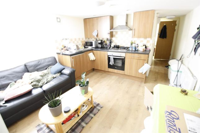 Thumbnail 2 bed flat to rent in Colum Road, Cathays, Cardiff