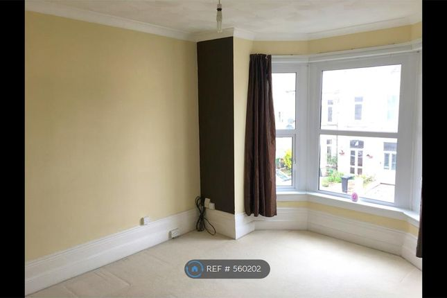 Thumbnail Flat to rent in Laburnum Grove, Portsmouth