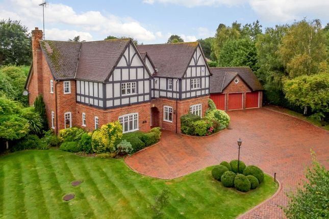 Thumbnail Detached house for sale in Oakland Close, Horsham, West Sussex