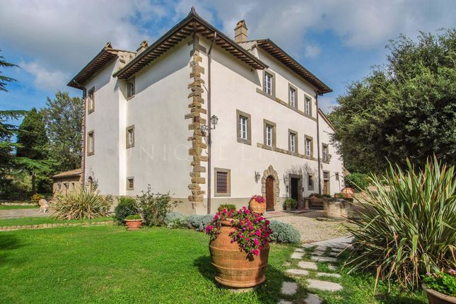 Thumbnail Hotel/guest house for sale in Cortona, 52044, Italy