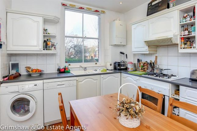 Photo of Woodfield Crescent, Brentham Garden Estate, Ealing, London W5