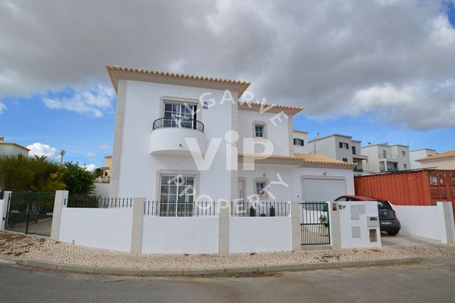 Villa for sale in Alcantarilha, Alcantarilha E Pêra, Algarve