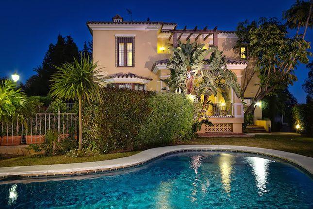 Villa for sale in El Rosario, Costa Del Sol, Spain
