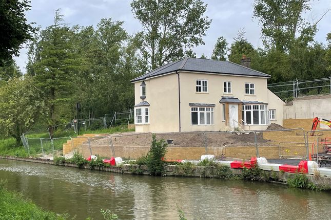 Thumbnail Detached house for sale in Bulbourne Yard, Bulbourne, Tring