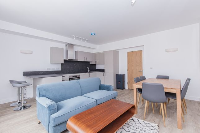 2 bed flat to rent in The Clarendon Centre, Cornmarket Street, Oxford OX1